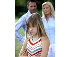 Дочка-підліток віддаляється і не йде на контакт, що робити?