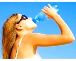 Як схуднути за допомогою простої води?