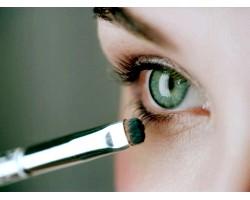 Як зробити макіяж для зелених очей?