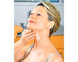 Як доглядати за шкірою шиї після 50