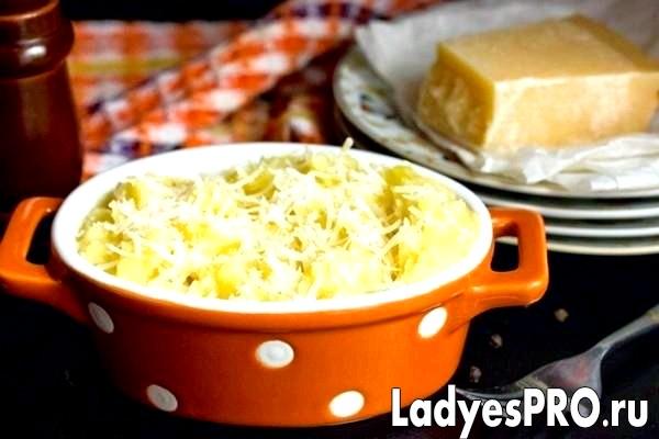 Картопляне пюре з пармезаном і мускатним горіхом