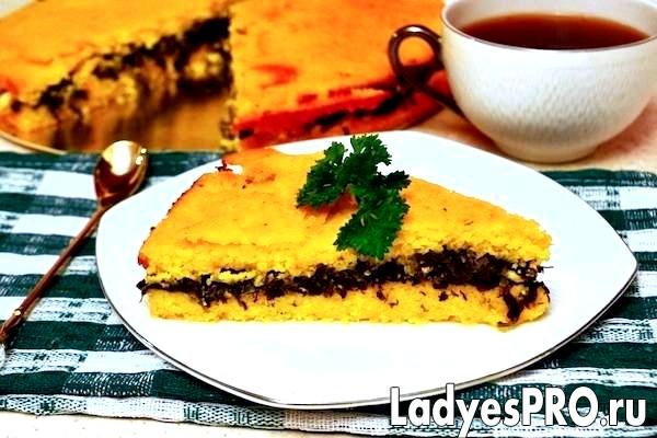 Кукурудзяний пиріг зі шпинатом