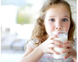 Молоко коров'яче: корисні властивості