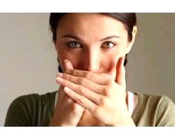 Неприємний запах з рота. Що робити?