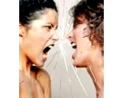 Чому люди сваряться, воюють один з одним?