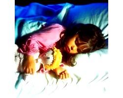 Чому дитина погано спить вночі?