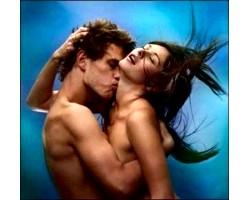 Чому сняться еротичні сни?