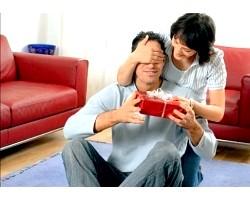 Подарунок чоловікові на день закоханих