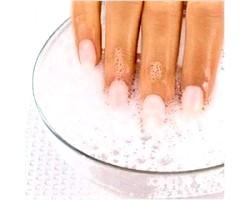 Рецепти для краси і зміцнення нігтів