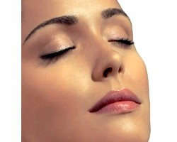 Рекомендації по домашньому догляду за чутливою шкірою обличчя