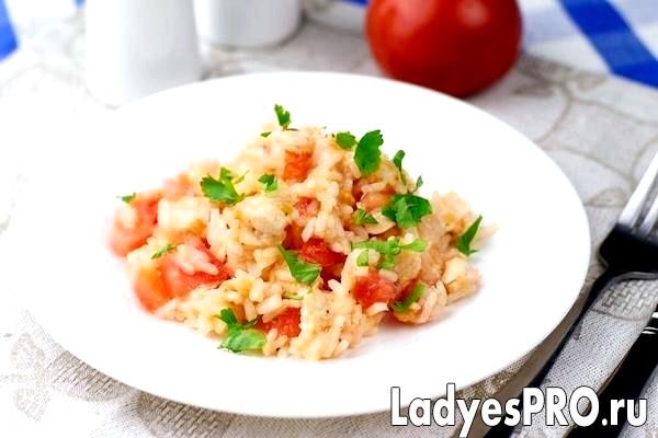 Салат з куркою та рисом