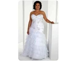 Весільне плаття для повних дівчат