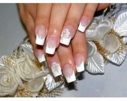 Весільний дизайн нарощених нігтів