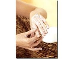 Догляд за сухою шкірою рук
